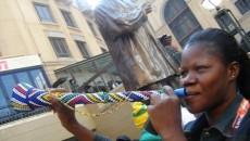 aminiata_et_son_vuvuzela1